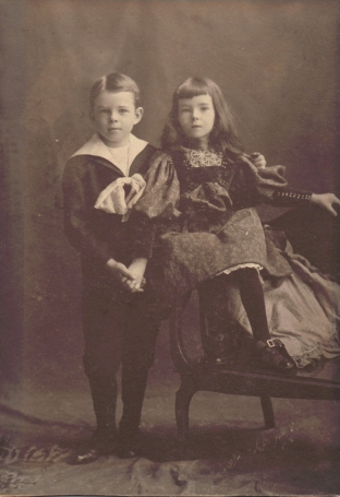4 x 5.5″ Stella and Russell were very close she graduated in 1916, he in 1915