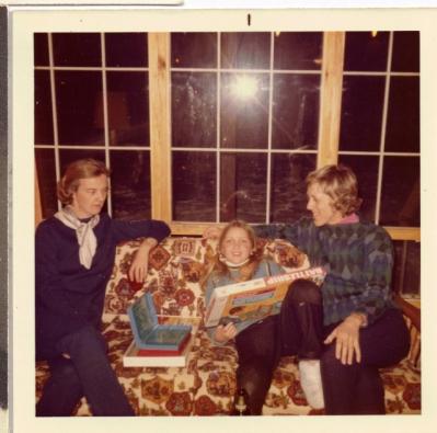 3.5 x 3.5″ Patricia Murdoch Fleming, Sheila, Barbara Fleming – Daler Bluffs ski cabin